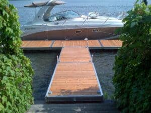 5 floatting section with boat